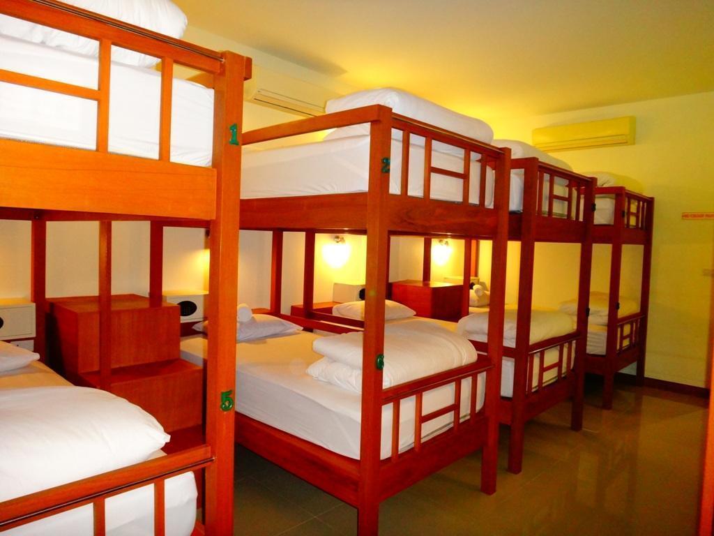 โรงแรมเนปจูน วิลล่า
