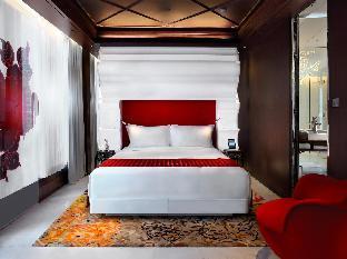 Mira Moon guestroom junior suite