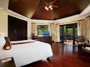 Centara Seaview Resort Khao Lak guestroom junior suite