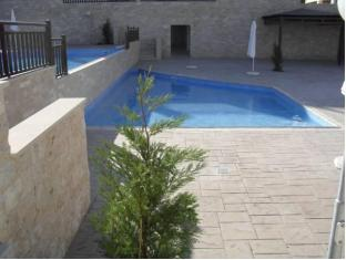 Victoria Apartment Tersefanou - Swimming Pool