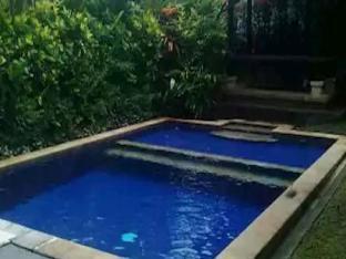 [チャングー](250m²)| 2ベッドルーム/1バスルーム 2BR Perwita Villa F - ホテル情報/マップ/コメント/空室検索