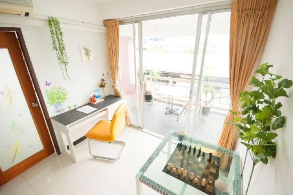 Tropical 2 Bedroom Apt-near Lumpini MRT-Center