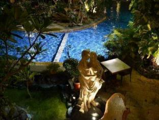 Green Garden Beach Resort & Spa Bali - Swimming Pool