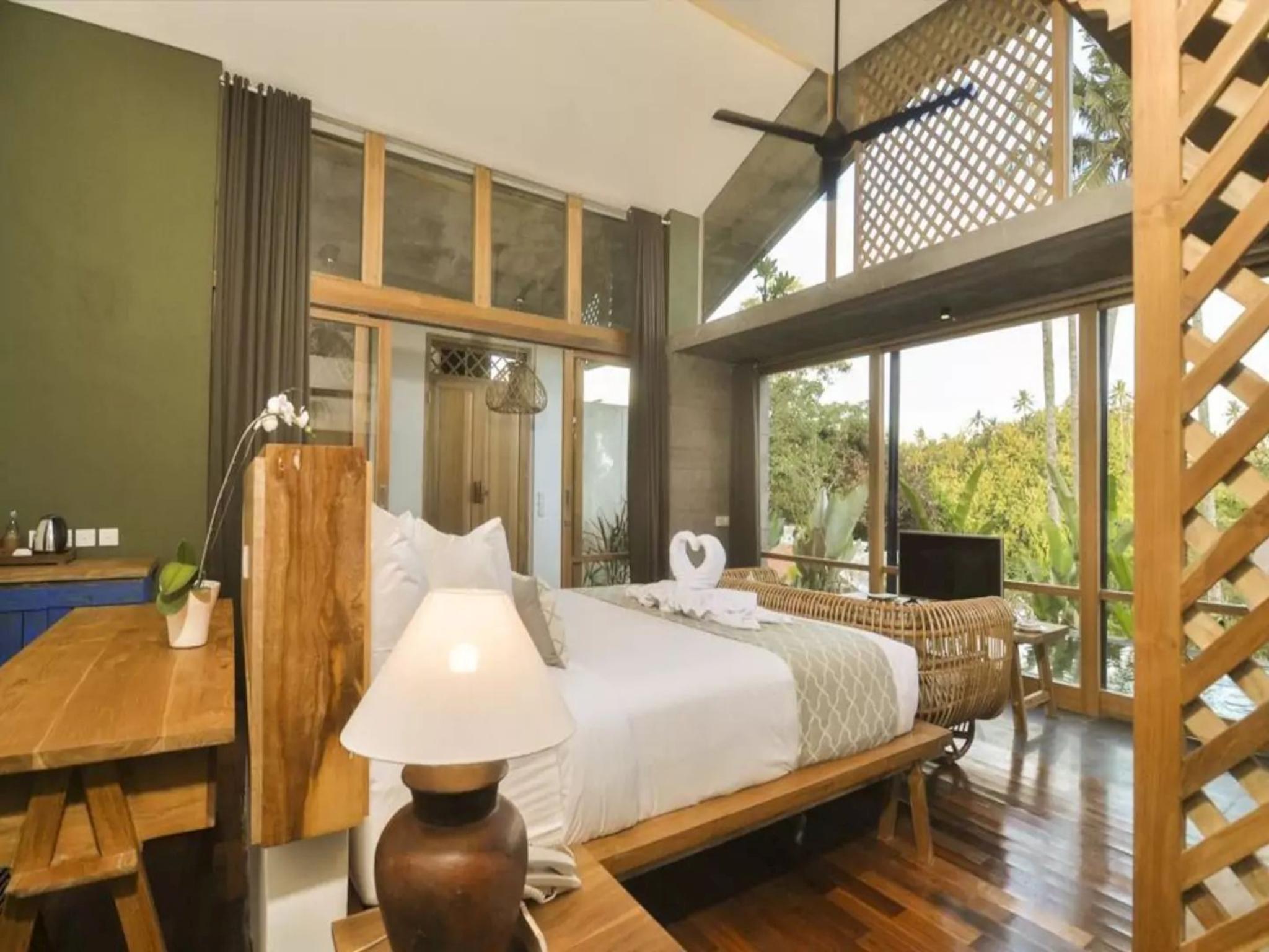 Stunning Romantic Villa with Valley View at Ubud