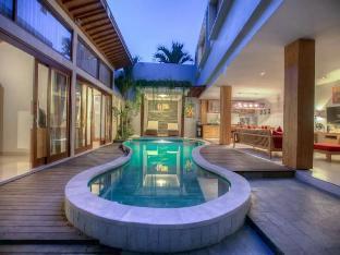 4 BDR Villa Deyoya Seminyak Area - ホテル情報/マップ/コメント/空室検索