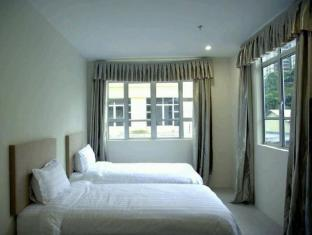 Petanak Lodge Kuching - Triple Room With Window