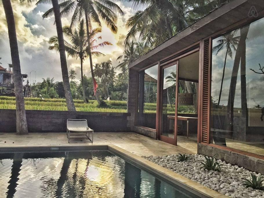 Amazing Private villa with own pool and TV