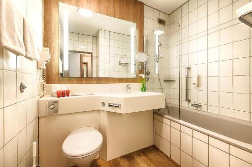 Best PayPal Hotel in ➦ Wolfsburg: Tryp Wolfsburg Hotel