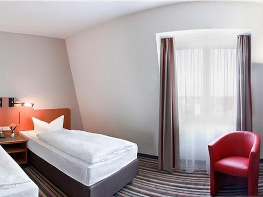 ➦  Wyndham Hotels & Resorts    (Saxony) customer rating