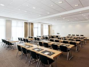 NH Berlin Alexanderplatz Berlin - Meeting Room