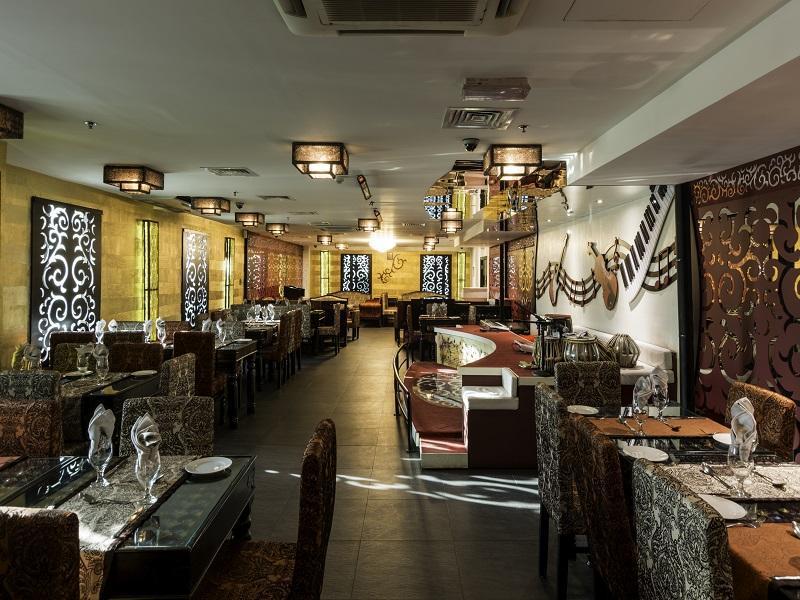 Howard Johnson Hotel - Restaurant