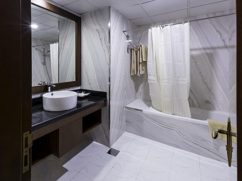 Howard Johnson Hotel -