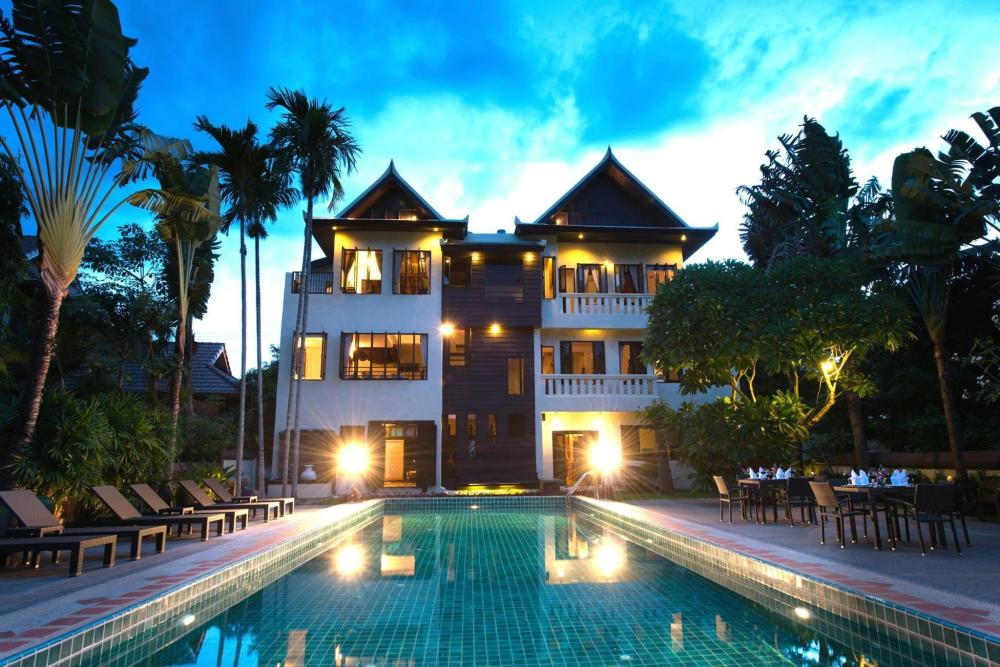 Initail Dawn Riverside Villa