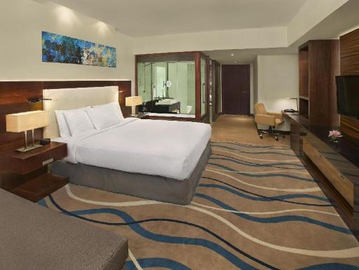 ➦  Hilton Worldwide    (Dubai) customer rating