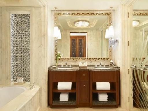 ➦  Starwood Hotels & Resorts Worldwide    (Abu Dhabi) customer rating