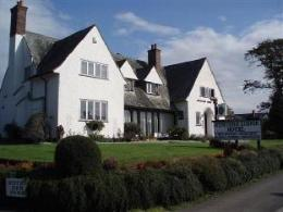 Hunters Lodge Hotel