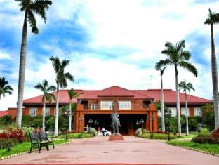 Fort Ilocandia Resort Hotel Laoagas