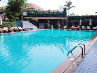 Golden Beach Hotel Pattaya - Swimming Pool