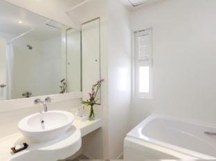 The Phulin Resort Phuket - Bathroom