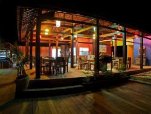 The Palms Ceningan Hotel Bali - Restaurant