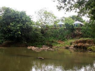 Wild Trails Udawalawe Resort