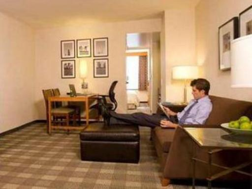 Embassy Suites Springfield VA hotel accepts paypal in Springfield (VA)
