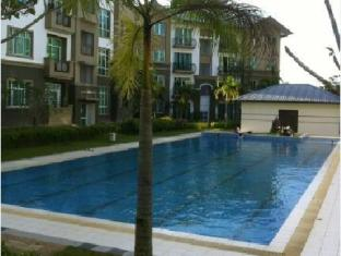 Eden Staycation Apartment Kuching - Piscina
