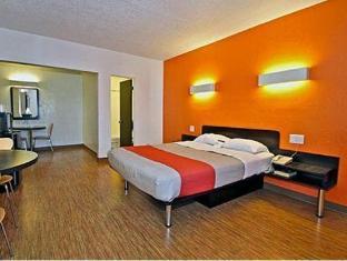 Motel 6-Long Beach, CA - International City Los Angeles (CA)  United States