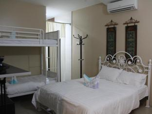 Regalia Inn and Spa Langkawi - Family Room (4pax)