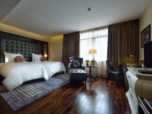 /paradise-suites-hotel/hotel/halong-vn.html?asq=jGXBHFvRg5Z51Emf%2fbXG4w%3d%3d
