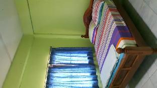 Saifon Guesthouse guestroom junior suite
