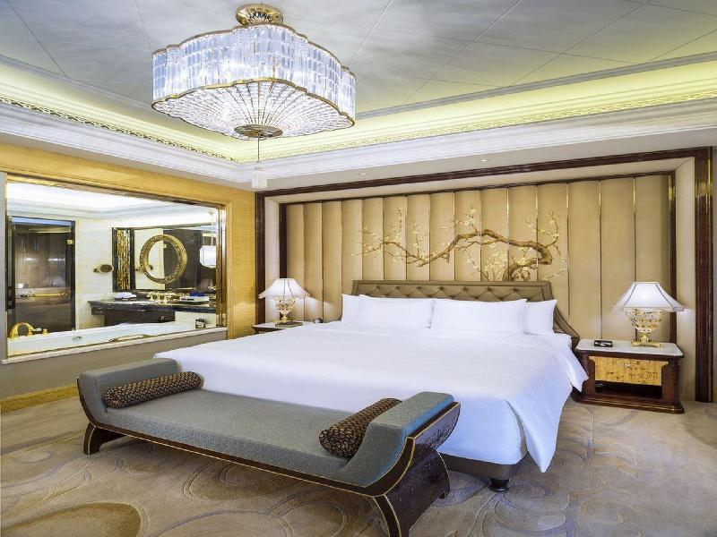 Grand Deluxe Room With Lake View