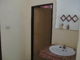 Baan Krutoy Homestay guestroom junior suite