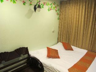 Baan Napak guestroom junior suite