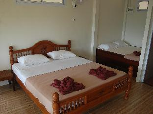 Khao Sok Hill Top Resort guestroom junior suite