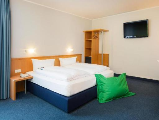 Best guest rating in Oberhausen ➦  takes PayPal