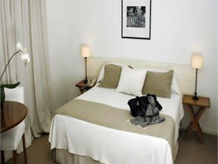 Loi Suites Arenales photo 5