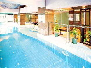 Metropark Hotel Macau - Swimming Pool