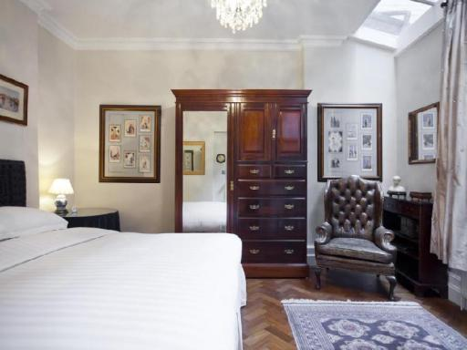 Notting Hill by onefinestay hotel accepts paypal in London