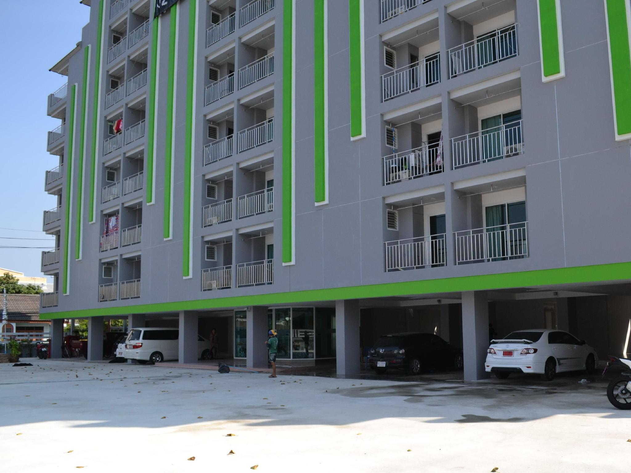 เอี่ยมมงคล เซอร์วิส อพาร์ตเมนท์ - Eiam Mongkol Service Apartment