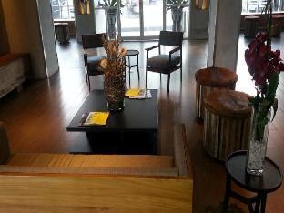 Zoom Smart Hotel Jemursari Surabaya