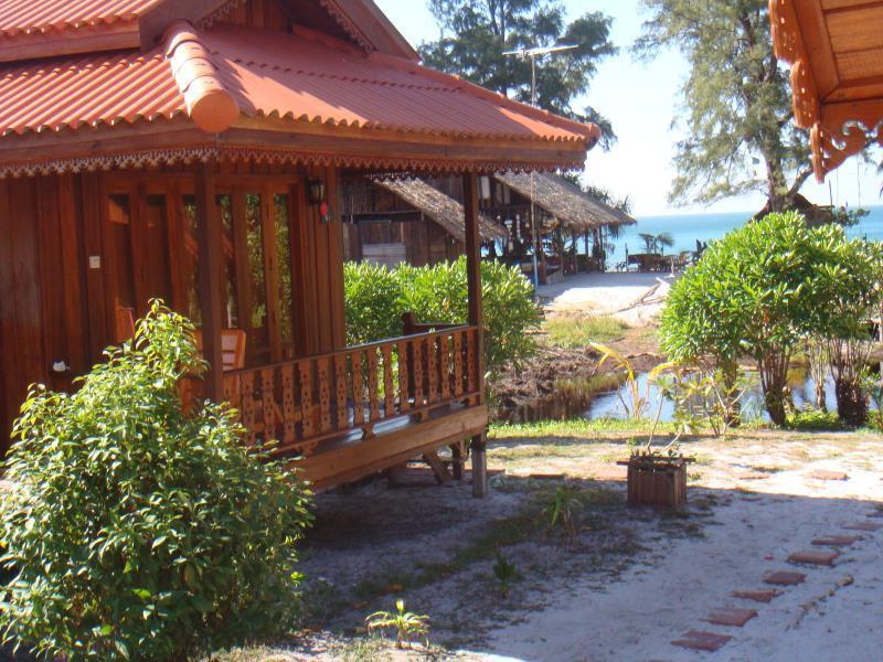 Koh Phayam (Ranong) Thailand  city photos gallery : Frog Beach House Koh Phayam Ranong , Thailand: Agoda.com