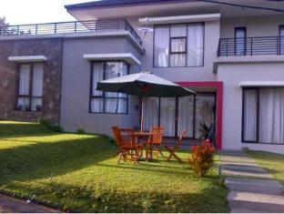 Villa Qfa - Bandung