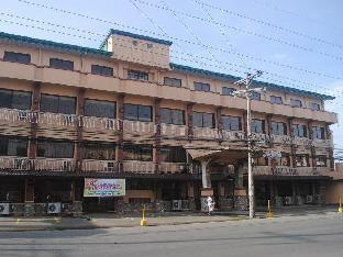 Royal Crest Hotel Restaurant and Sports Centrum