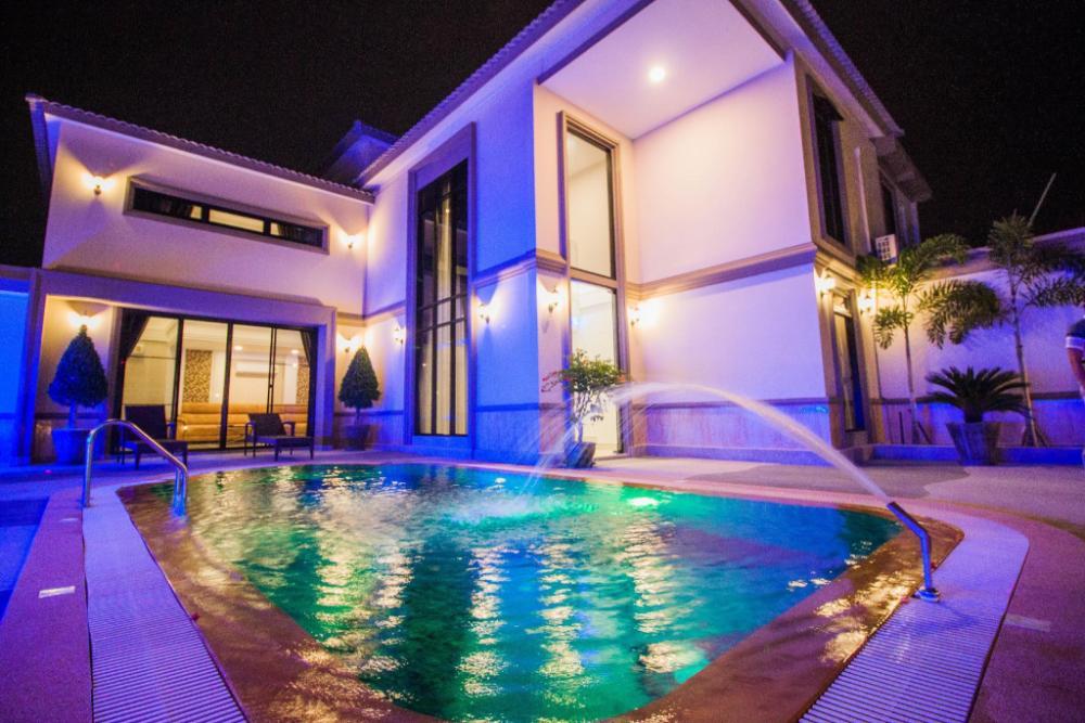 Top Pool Villa Pattaya