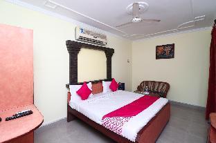 OYO 16057 Hotel Centre Point Алигарх
