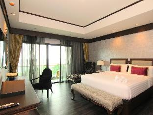 I Calm Resort guestroom junior suite