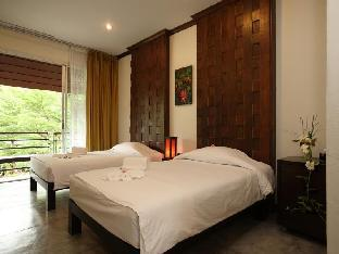 Royal River kwai Resort & Spa guestroom junior suite