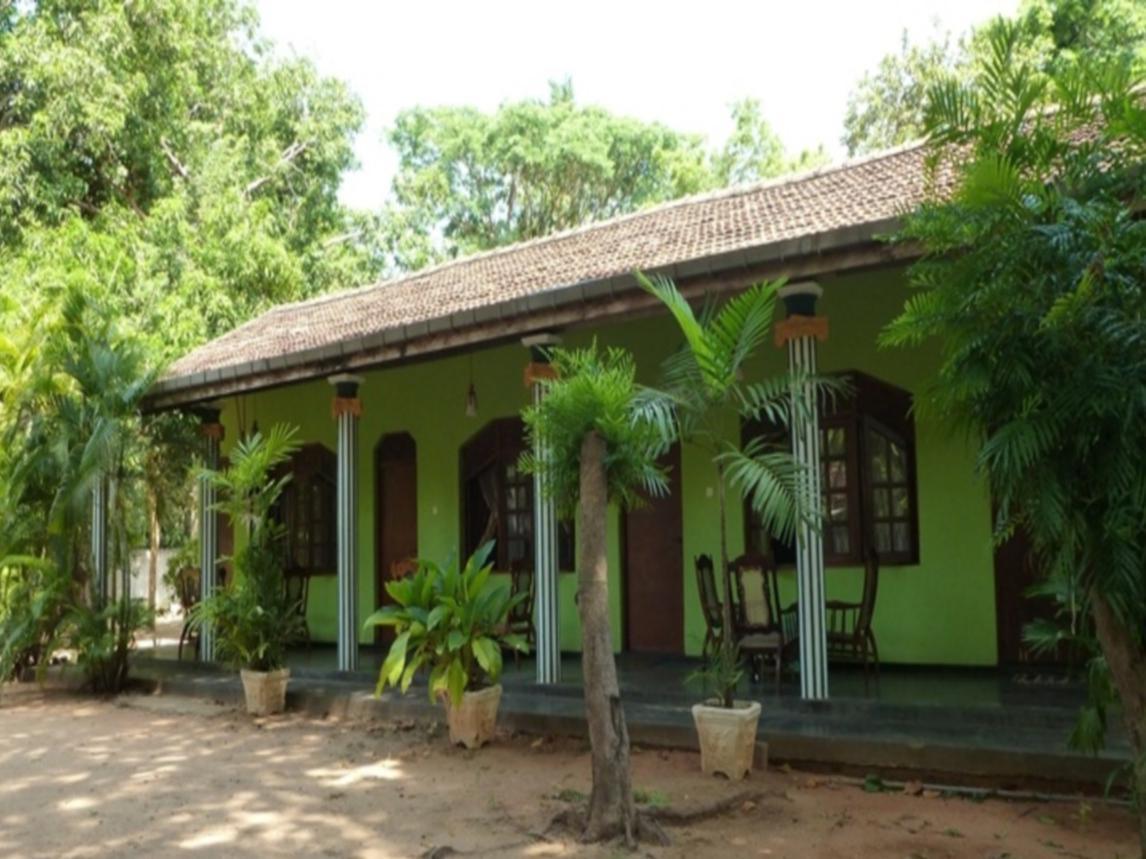 Hotel Bali Umah Tinjung villa Laut 2 - Jalan Raya Kubu Tianyar Timur Karangasem Bali Indonesia - Desa Tianyar Timur