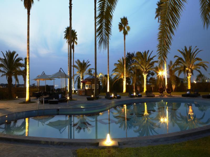 Luston Villa & Hotel1